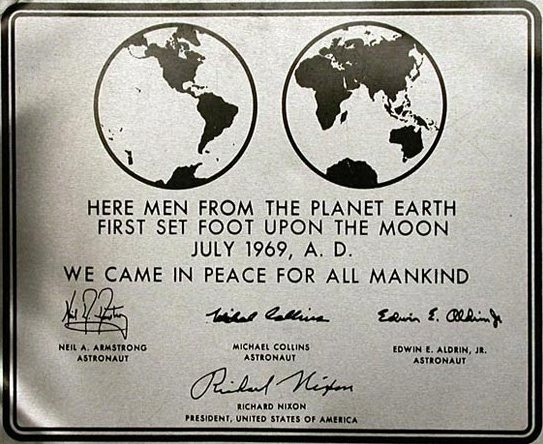 apollo-11-plaque