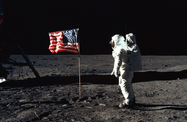 buzz-aldrin-salutes-aerican-flag-on-moon