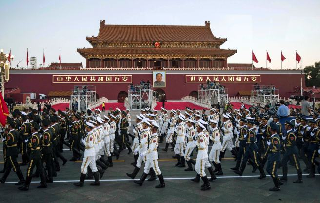 102968089-china_military_parade_troops